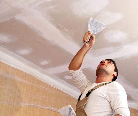 Как шпаклевать потолок под покраску своими руками 15