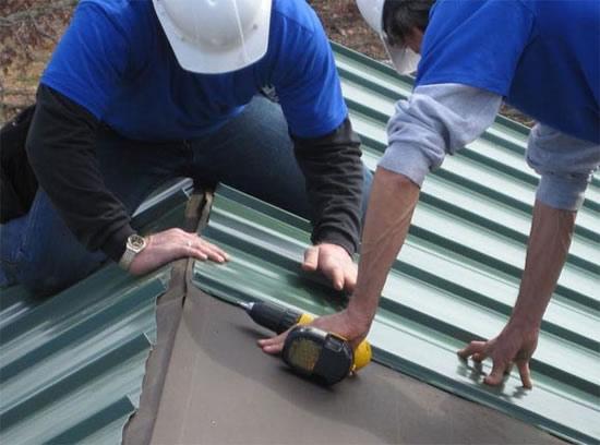 Крыть крышу профнастилом своими руками